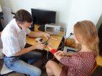 Андрей Гладышев и Анастасия Попова тестируют бионический протез