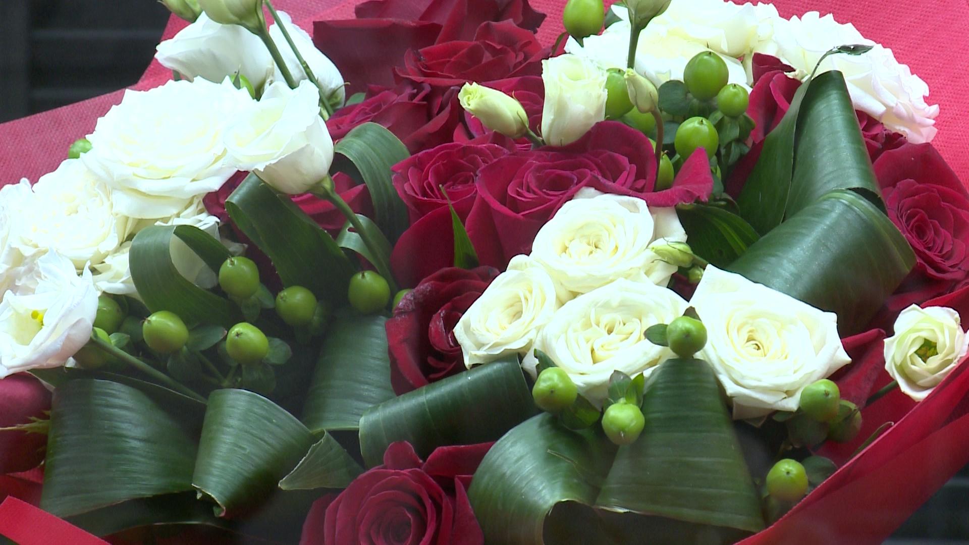 Живые букетов на 8 марта картинки, цветами